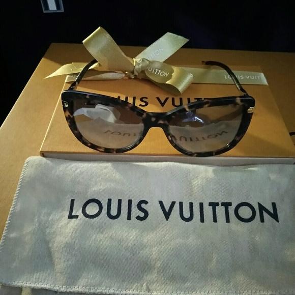 fd3b15cf90 Louis Vuitton Charlotte fold dark tor.E 2007.735